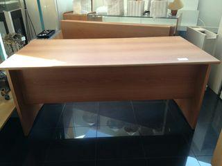 mesa maciza de madera