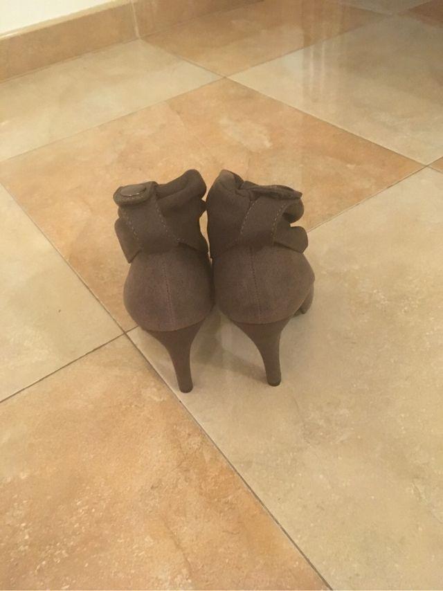 Botines de tacón