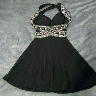Vestido Negro Hailey Logan
