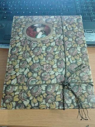 Antigua Caja de cartón