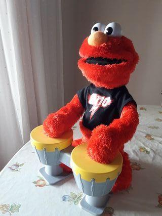 Elmo cantarin.