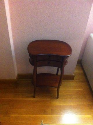 mesa pequeña auxiliar