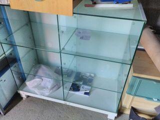 vitrina , mostrador para tienda de cristal
