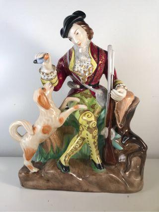 Figura Porcelana- MAH Santa Clara- Cazadora- 22 cm