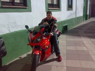 Se vende moto Daelim roadwin R1 125cc