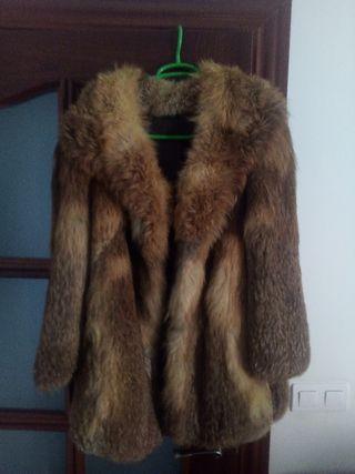 Abrigo piel zorro de patagonia.