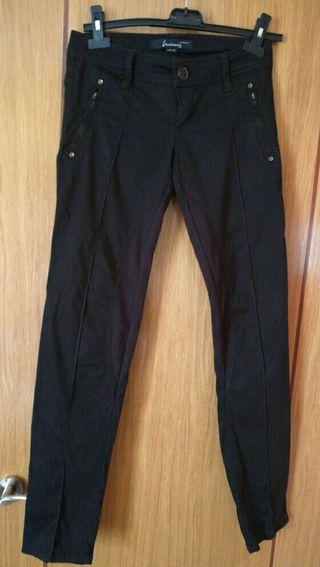 Pantalones stradivarius de chica