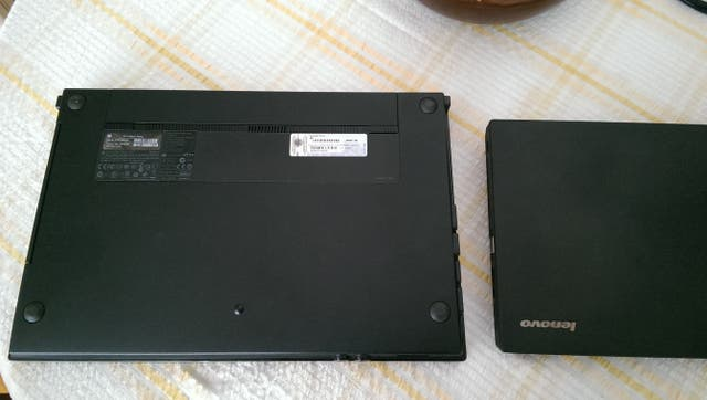 ** Hp Probook i3 - 8GB - disco sólido SSD **