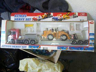 camion de juguete con maquina excavadora