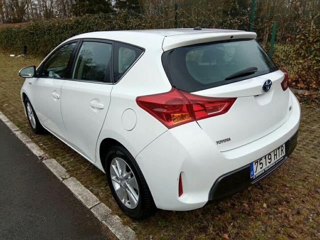 Toyota Auris Hybrid Active 2014