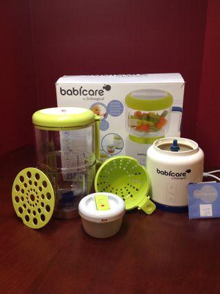 Robot cocina bebes. Baby care.