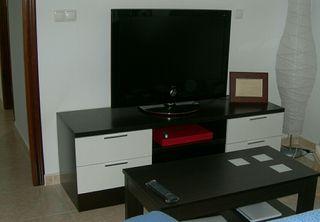 Mueble Televisión Wengue y Blanco