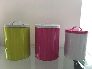 Bote lata color verde grande
