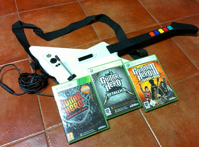 Guitarra Xbox 360 + Pack Guitar Hero