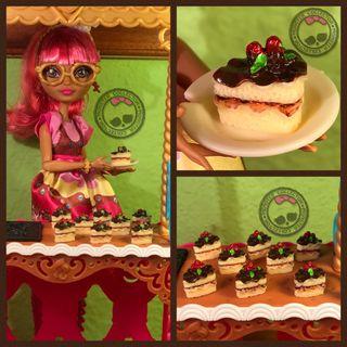 Pastelería Miniatura - Tarta Chocolate y Fresa