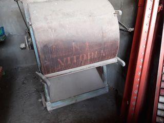 ventadora de semillas muy vieja