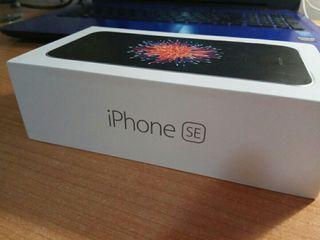 iPhone SE gris