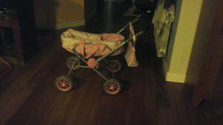 Carrito bebé de juguete
