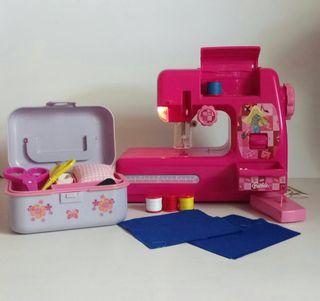 Máquina coser Barbie