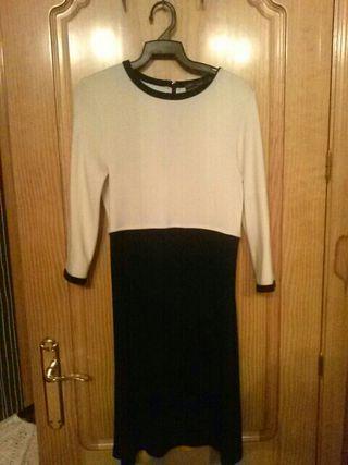 Vestido Zara. talla S.