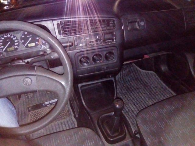 Volkswagen Golf 1994 .
