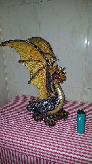 figura dragon 25 cm de alto