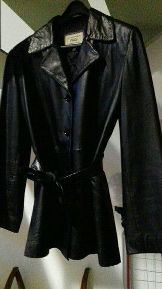 chaqueta de cuero, negra (talla 40/42)