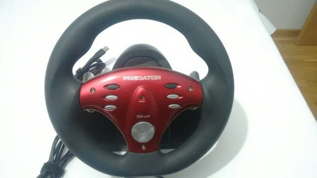 Volante Trust Predator GM-3100R USB