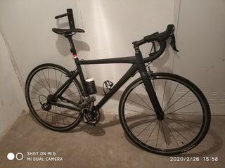 bicicleta de carretera GT
