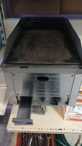 Plancha de hosteleria a gas butano.