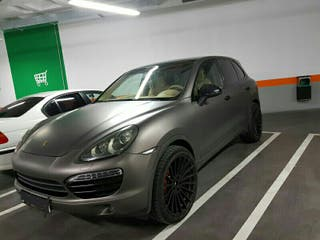 Porsche cayenne impecable con llantas hamann