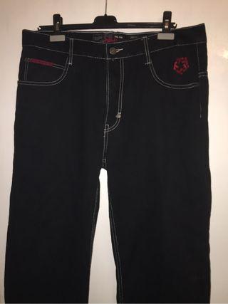 Pantalones tribal