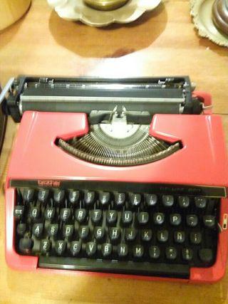 Máquina de escribir Brother, Deluxe 220
