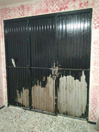 puerta de hierro para garaje