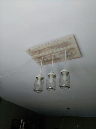 Lampara madera jarras Mason Jar