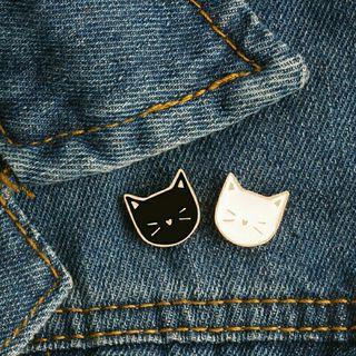 2 pins amantes gatos gatito blanco y negro