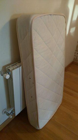 Cuna madera y colchón