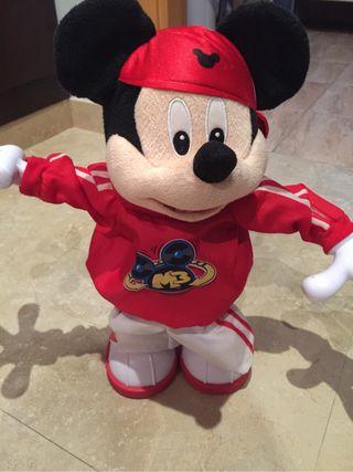 Mickey baila conmigo