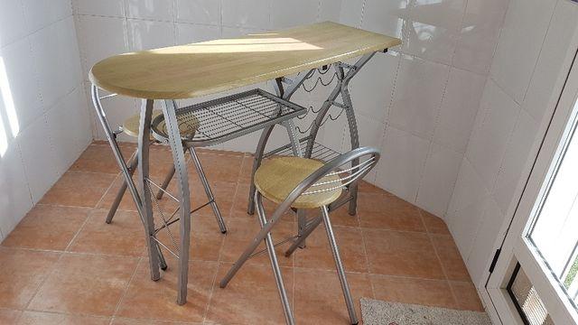 Mesa auxiliar cocina con 2 taburetes. de segunda mano por 79 € en ...