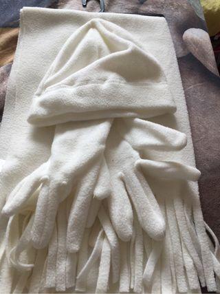Conjunto de gorro y bufanda