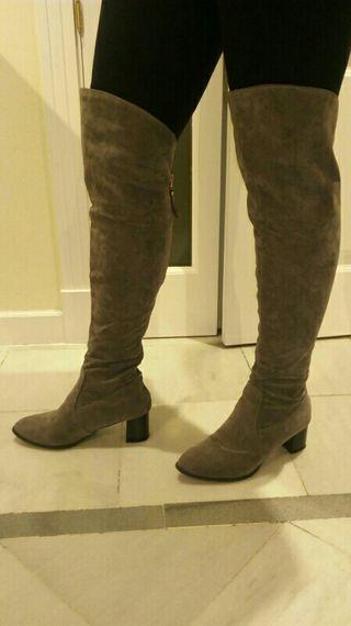 bota nueva gris mosquetera