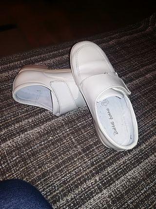 zapatos de piel de comunión talla 34 con velcro