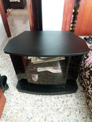 Mesa de televisor . precio a convenir
