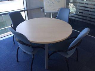 Mesa reunión y sillas