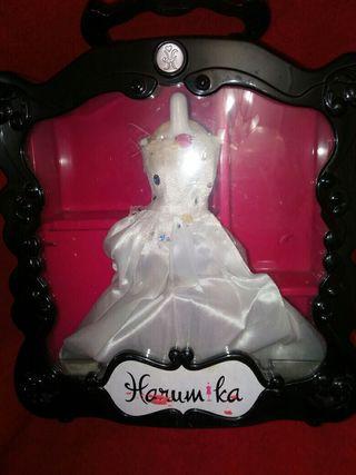 Harumika estuche de costura y diseño con maniquí