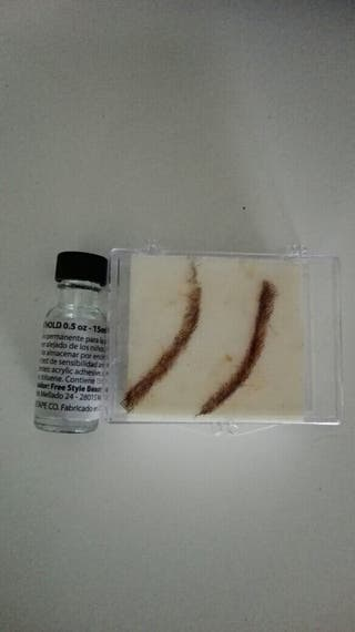 cejas postizas y adhesivo