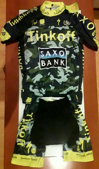 Equipación ciclista Tinkoff Saxo Bank