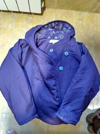 Abrigo talla 81 cm. violeta de niña.