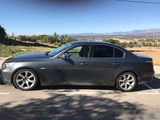 BMW Serie 5 2013 , información por privado .