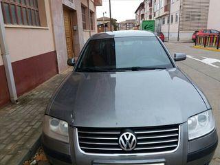 Volkswagen Passat 2003 280000 km 130 cabal